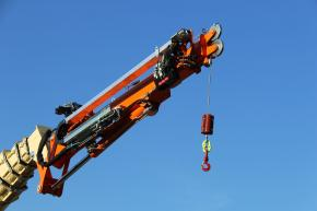 1 SPIDER 2 FUNCTIONS: AERIAL PLATFORM AND CRANE IN ONE MACHINE