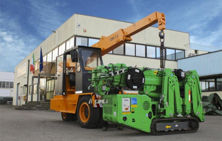 Palazzani Crane FPB 75 with 7,5 ton of playload